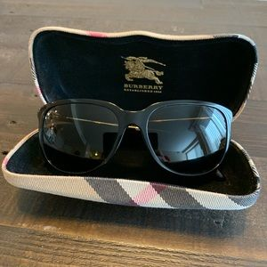Burberry Sunglasses with case